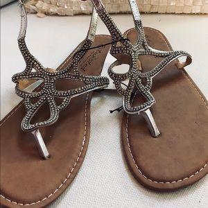 GORDMANS Twisted Sandals Sz 11 NWT Sliver